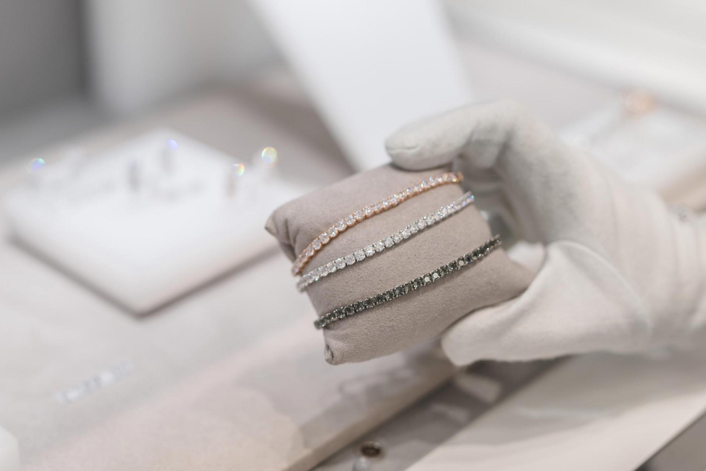 eurobijoux gioielleria paderno dugnano lecco naovate milanese bracciali oro e argento zirconi